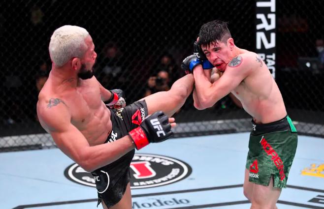 Klasik instan di UFC 256, Figueiredo vs Moreno 2 sekarang ditetapkan untuk UFC 253